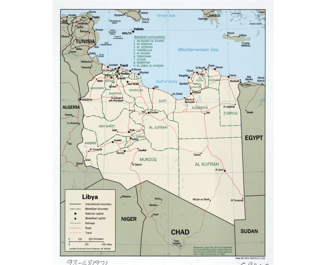 Large detailed political and administrative map of Libya with roads, railroads and major cities - 1993