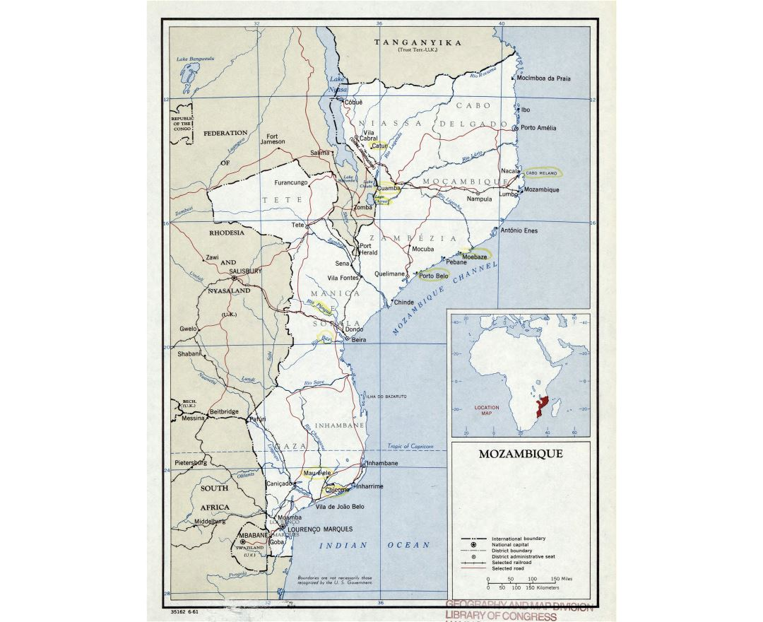 Large detailed political and administrative map of Mozambique with roads, railroads and major cities - 1961