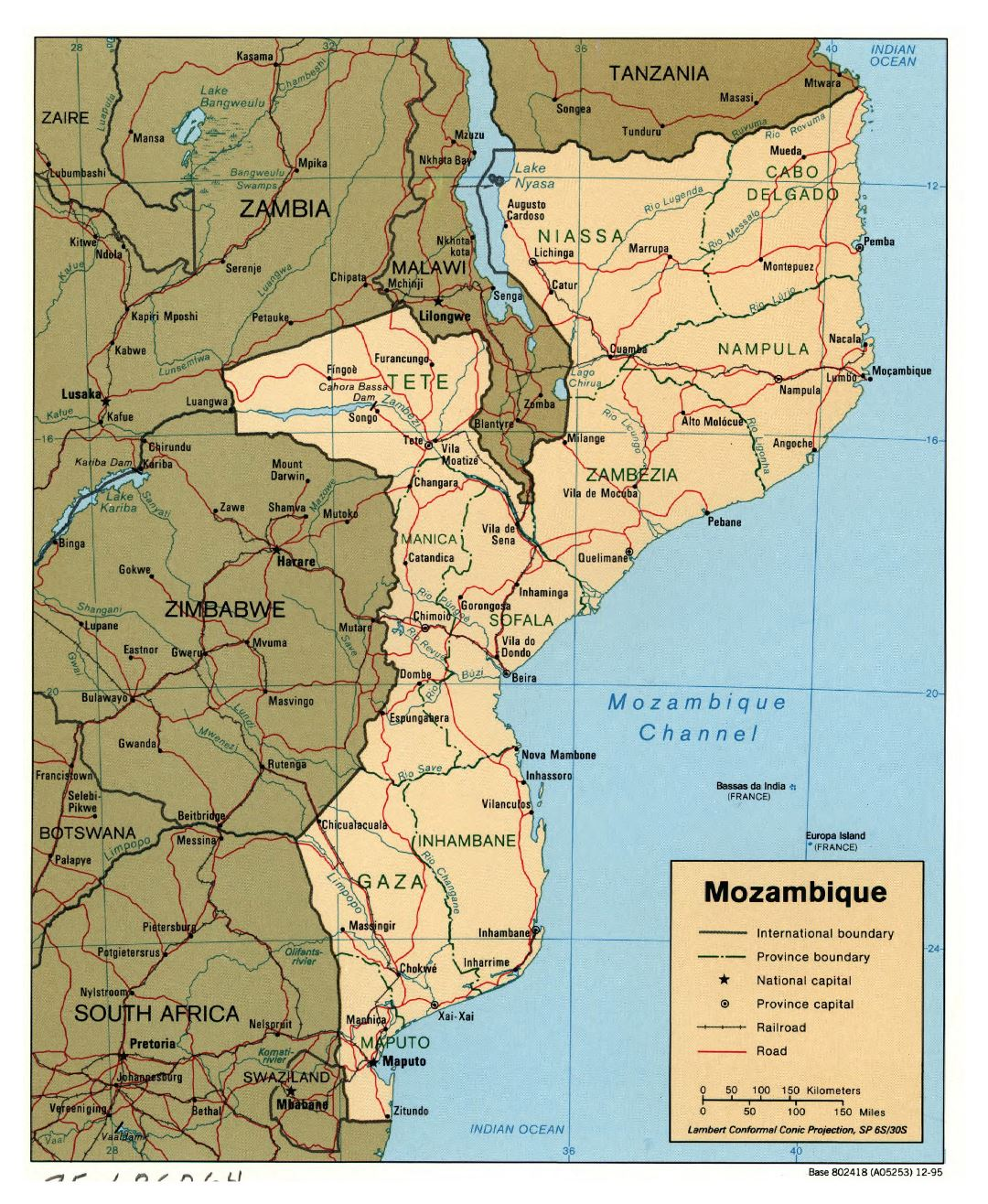 Large detailed political and administrative map of Mozambique with roads, railroads and major cities - 1995