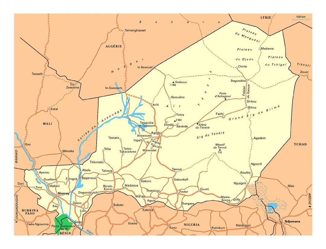 Detailed road map of Niger with cities