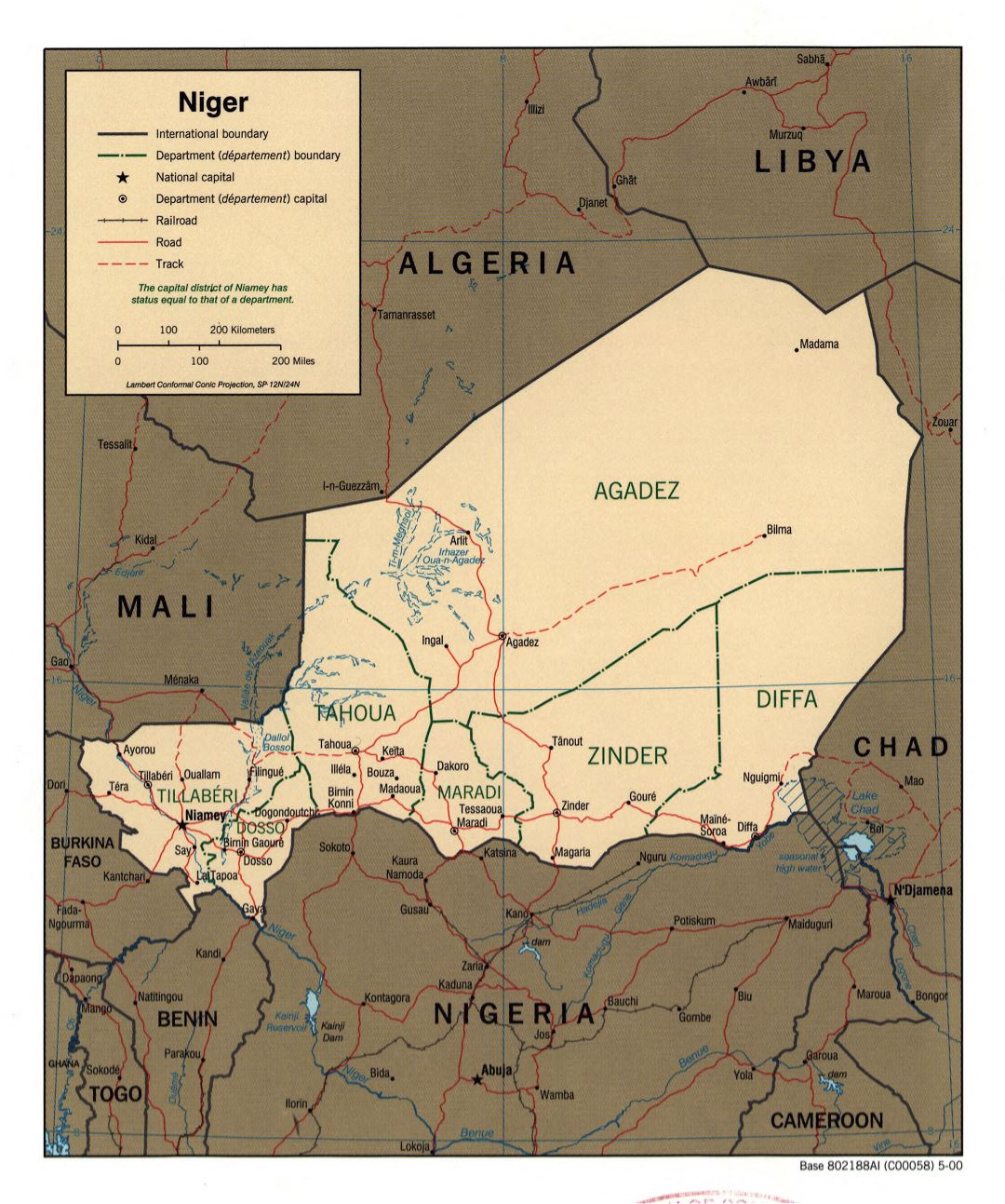 Large political and administrative map of Niger with roads, railroads and major cities - 2000