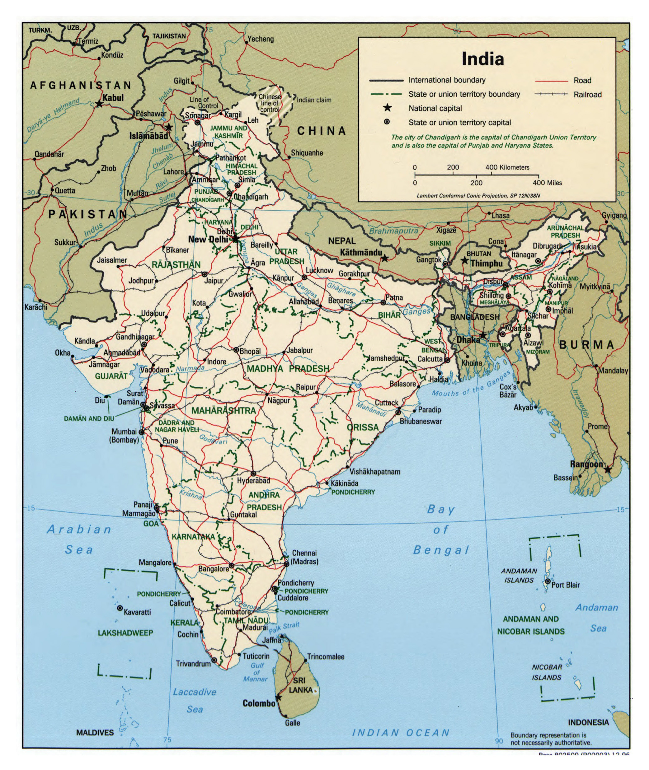 Large detailed political and administrative map of India with roads