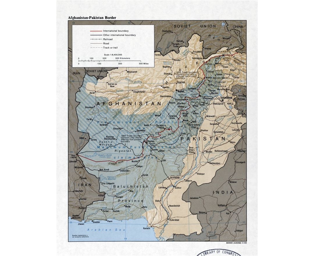 Large detailed map of Afghanistan-Pakistan border with relief, roads, railroads and cities - 1988
