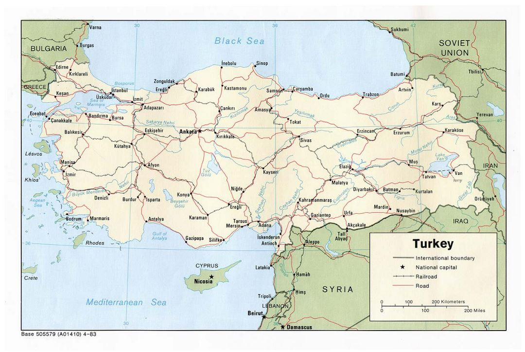 Detailed political map of Turkey with roads, railroads and major cities - 1983