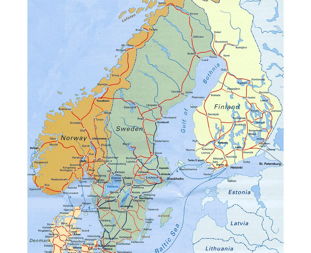 Detailed railways map of Scandinavia