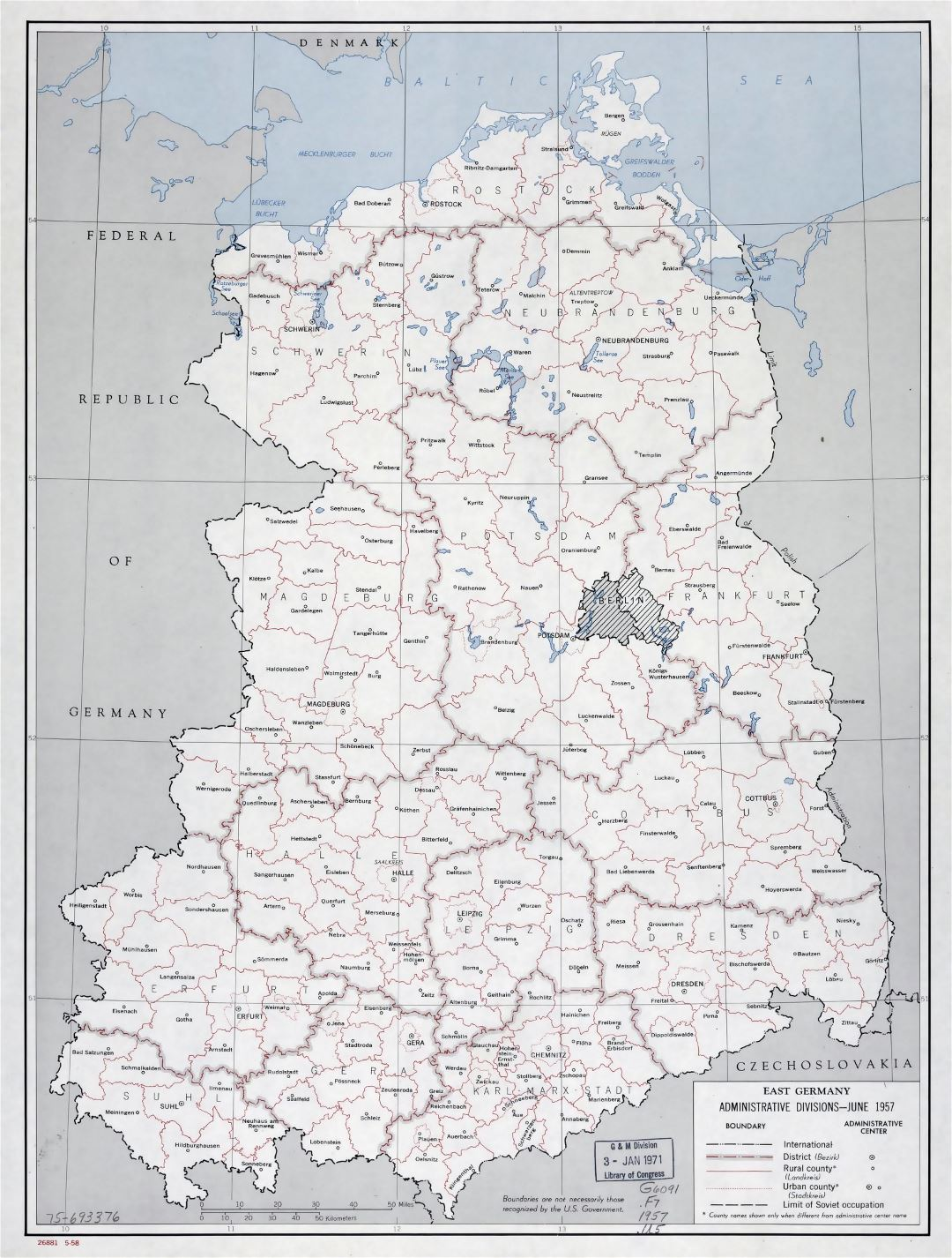 Large administrative divisions map of East Germany - 1958