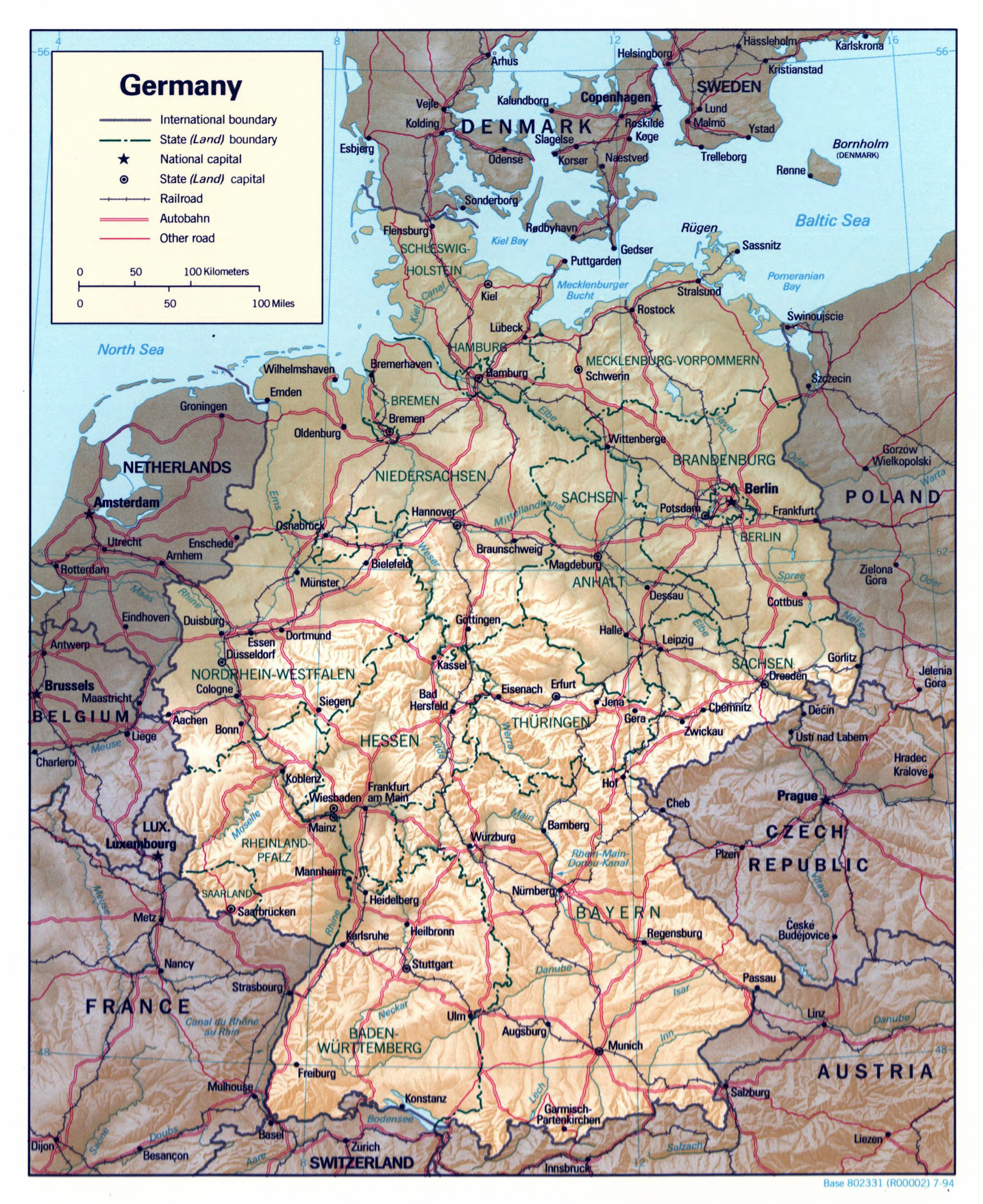 Large detailed political and administrative map of Germany with