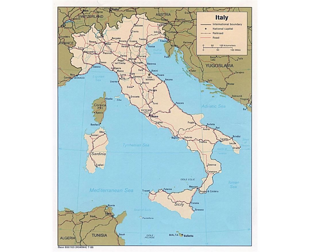 Large political map of Italy with roads, railroads and major cities - 1986