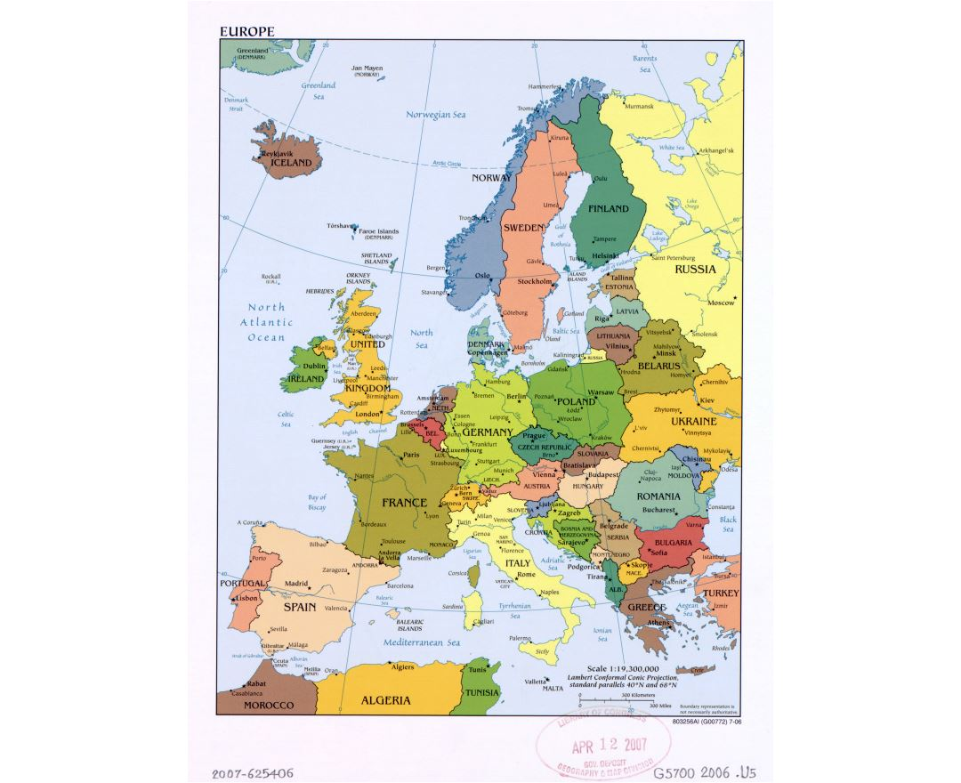 Large political map of Europe with the marks of capital cities and major cities - 2006