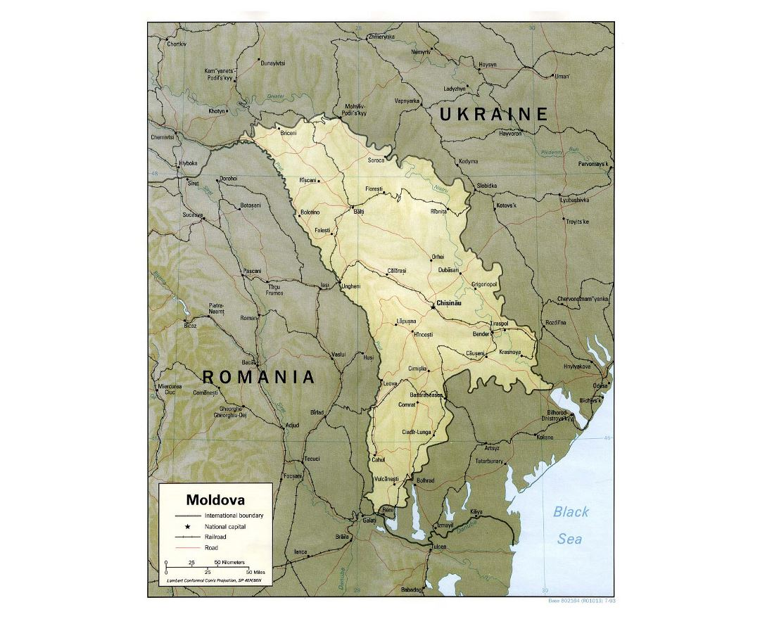 Detailed political map of Moldova with relief, roads, railroads and major cities - 1993