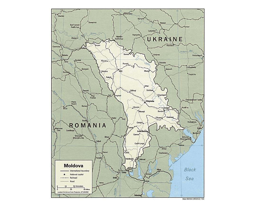 Detailed political map of Moldova with roads, railroads and major cities - 1993