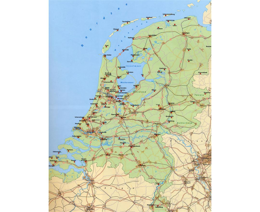 Large map of Netherlands with roads, railroads and major cities