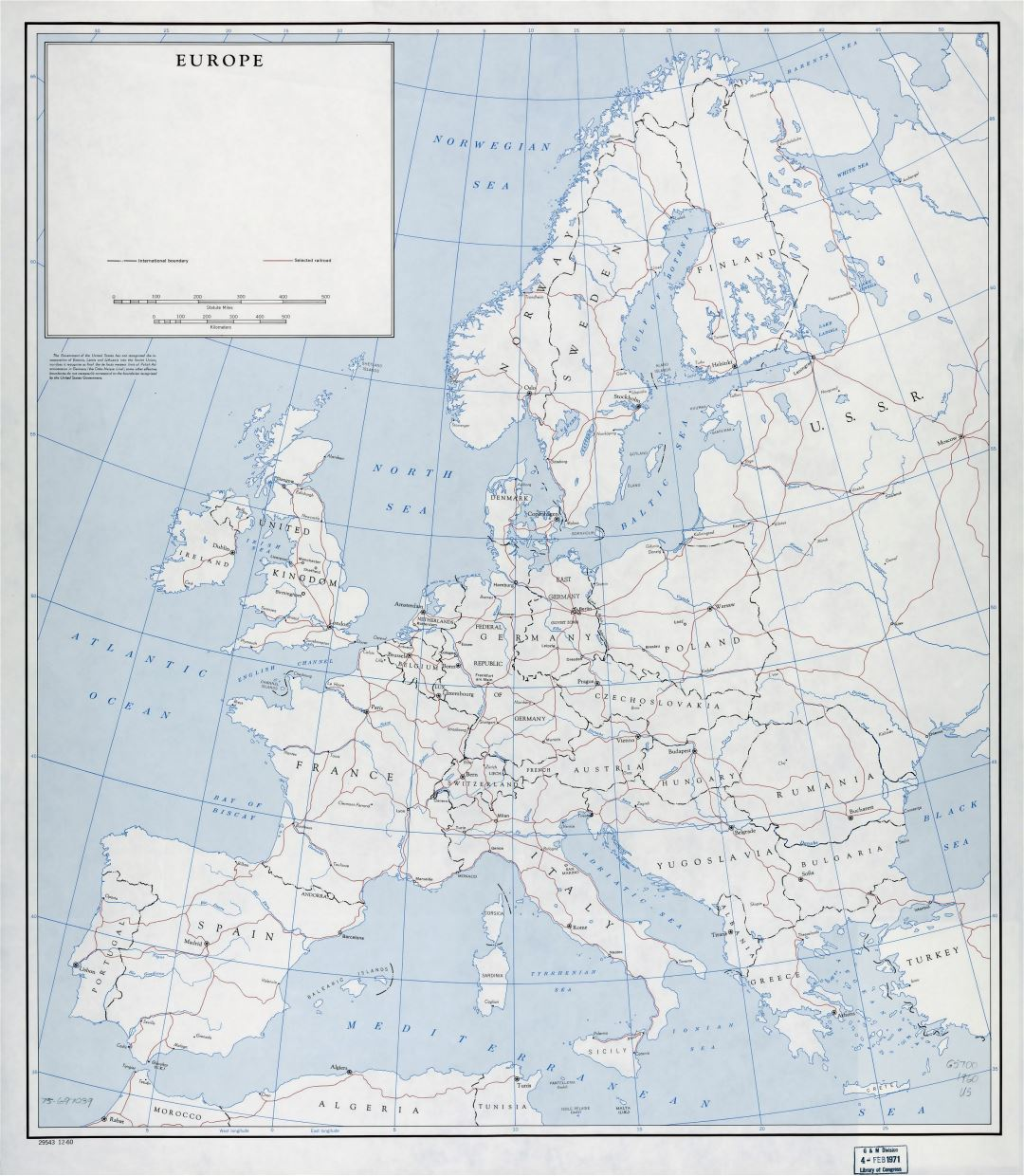 Large detailed old political map of Europe with railroads - 1960