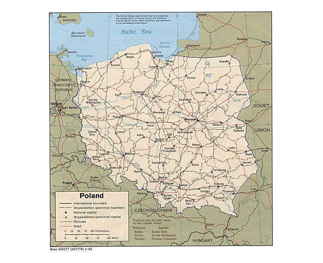 Detailed political and administrative map of Poland with roads, railroads and major cities - 1982