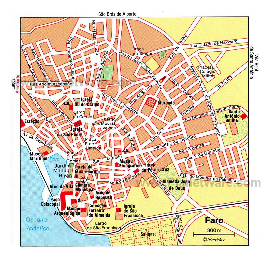 Detailed travel map of central part of Faro city