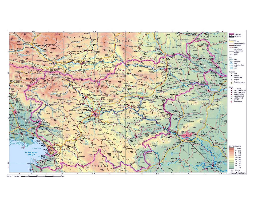 Physical map of Slovenia with roads and cities